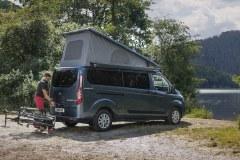 Kamper Ford Transit Nugget Plus z odchylanym dachem