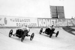 Wyścig na torze Opla 19 października 1924 r. Z przodu Fritz von Opel, z tyłu Carl Jörns