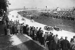 1924: wyścigi samochodowe na Rüsselsheim Opel Rennbahn. Z nr. 3: Fritz von Opel