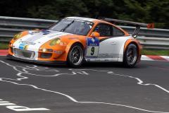 Porsche 911 GT3 R Hybrid: Nürburgring 2011: przełomowa technologia hybrydowa w samochodzie GT