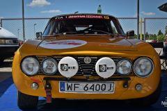 Miasteczko rajdowe przed OS Karowa samochodów historycznych