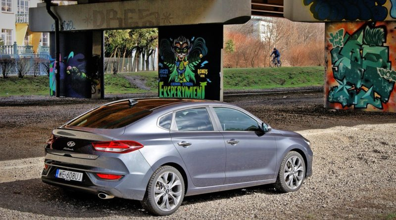 Hyundai i30 Fastback test Overdrive