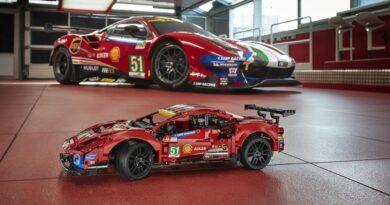 Ferrari 488 GTE z klocków LEGO Technic