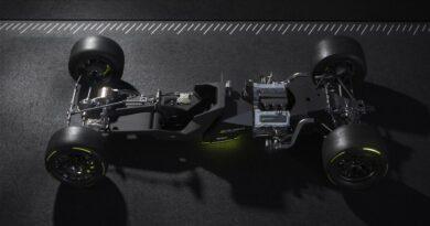 Napęd Hybrid4 wyścigówki na 24h LeMans 2022 – Peugeot Hypercar LMH