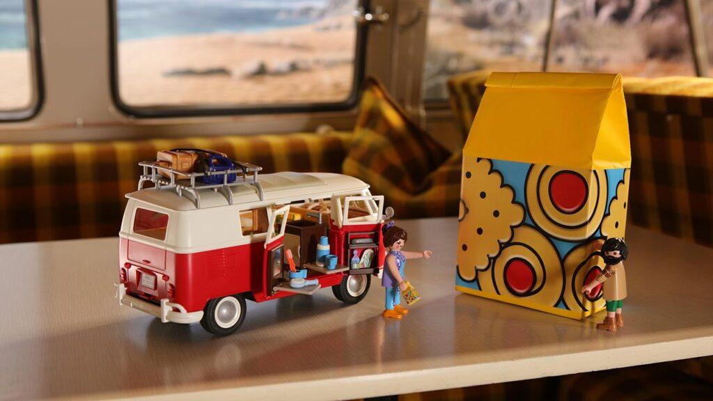Kamper Volkswagen Bulli w skali 1:18 - Playmobil