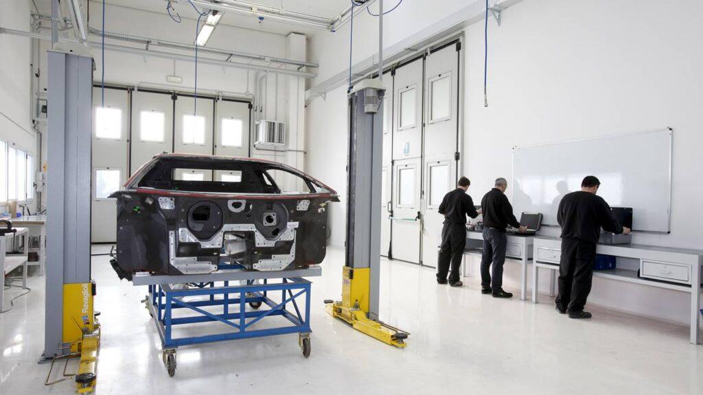 Lamborghini i włókno węglowe. Ponad 35 lat historii.