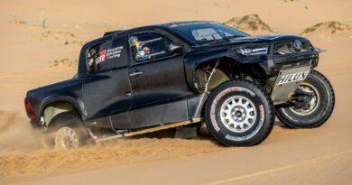 Nowa, wyczynowa Toyota GR DKR Hilux T1+ na Dakar 2022