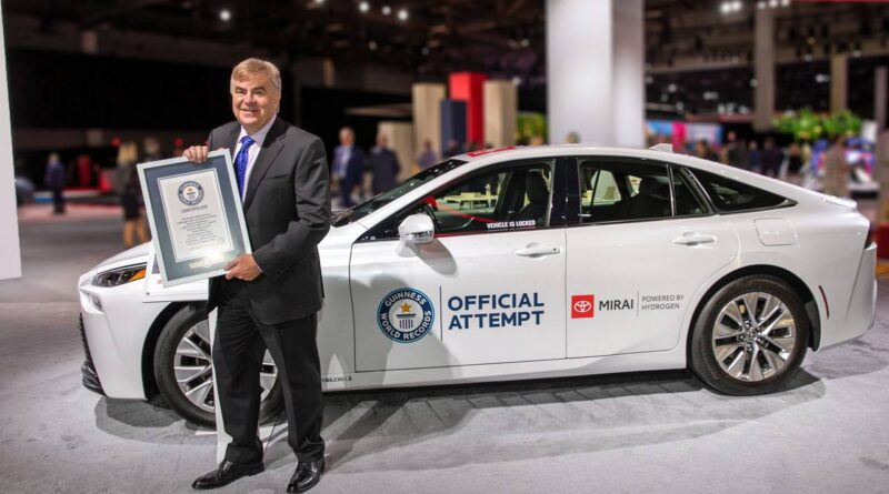 Toyota Mirai pobiła Rekord Guinnessa. 1360 km na jednym tankowaniu